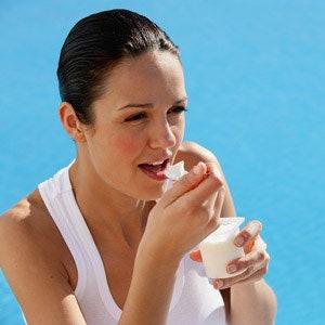 Замороженный йогурт: шоколадный, ванильный, клубничный